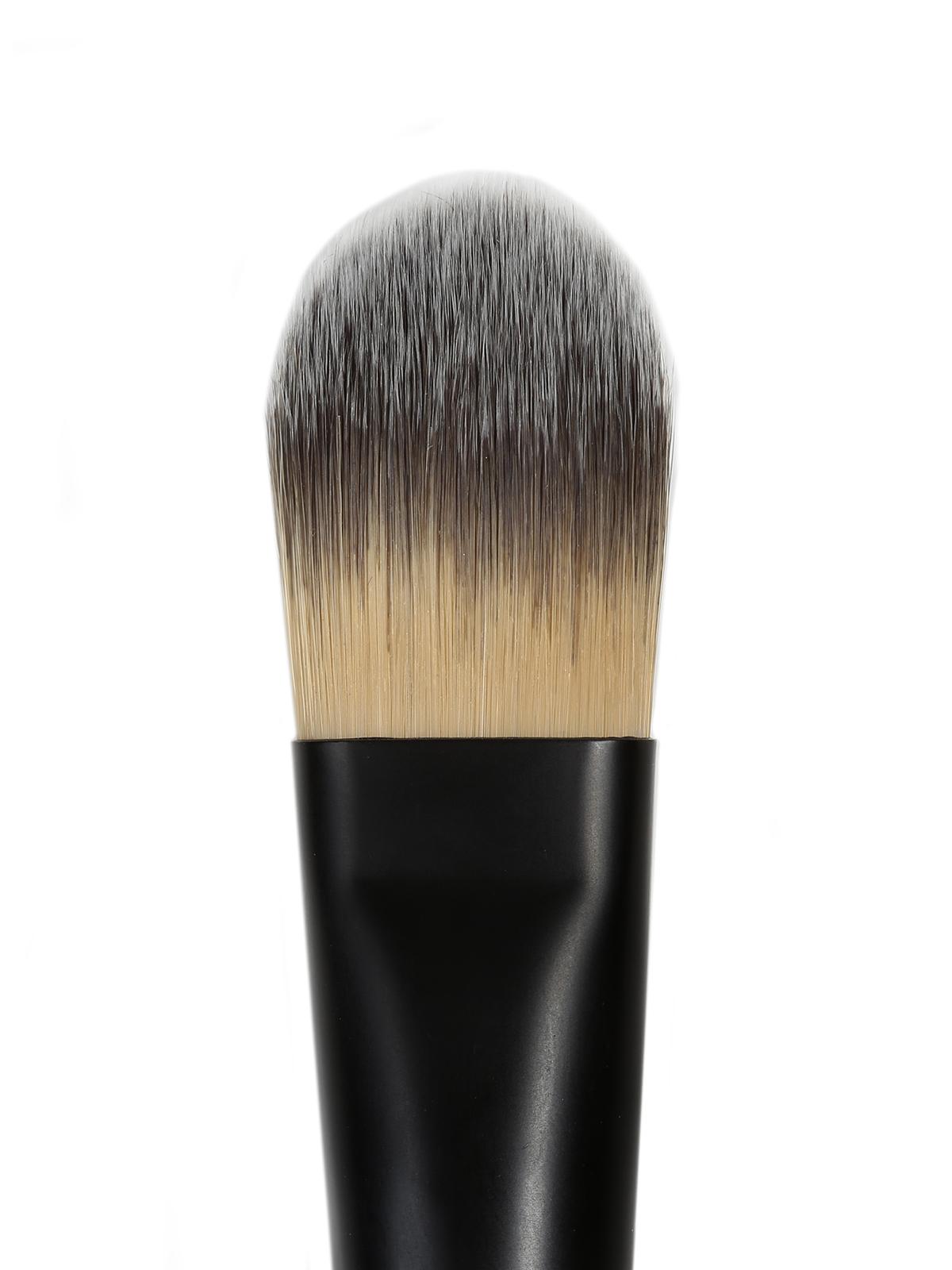 Foundation Brush #211